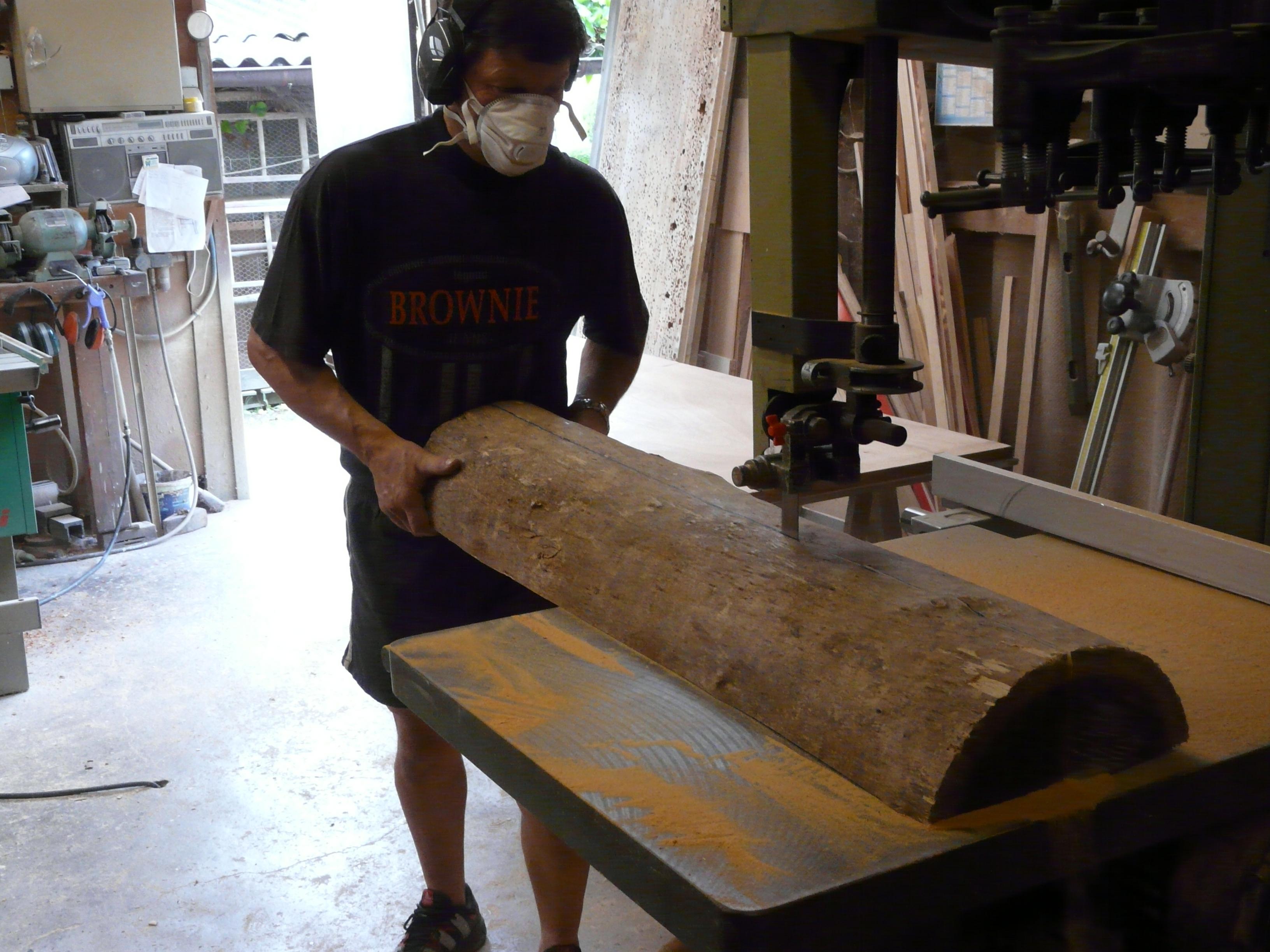 La fabrication des archets deman # Bille De Bois De Sciage